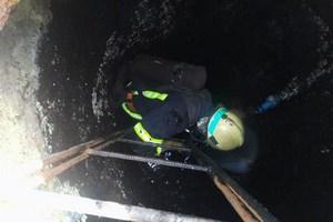 В Днепровском районе в результате отравления канализационными газами, один мужчина погиб, другой - пострадал