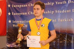Три золота и бронзу привезли днепровские шашисты с чемпионата Европы