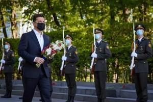 Это не карнавал. Зеленский обратился к украинцам в День победы над нацизмом