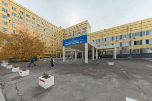 В Днепре 80-летний дедушка выпал из окна больницы №4: старик разбился насмерть