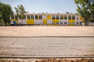 В Покрове рядом с реконструированной школой №1 строят стадион