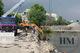 Обвал набережной в Днепре: спецтехника поднимает из воды перила и плитку