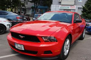Дрифт, шоу, автопробег – в Днепре праздник для любителей Mustang