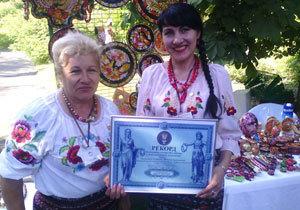 Рекордсменка Украины Валентина Хоменко: «Петриковский стиль – это праздник в каждой картине!»
