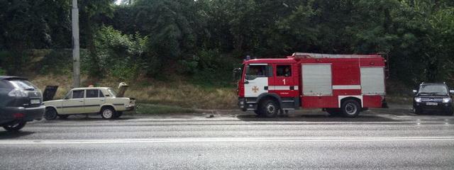 В Днепре у ВАЗ загорелась проводка: в машине находился грудной ребенок