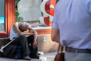 В Украине бедняков меньше, чем во Франции: где проходит «черта бедности»