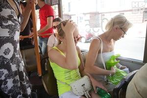Аномальная жара: в Днепре не выдерживает транспорт и пассажиры