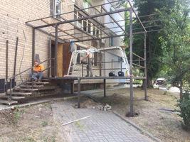 В Днепре демонтируют очередной царь-балкон