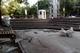 В Днепре ремонтируют вход в парк Глобы