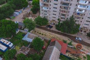 В Днепре на Кожемяки прорвало трубу: улицы заливает водой