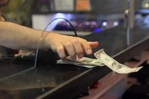 Доллар стал заметно ниже 27 гривен – будет ли еще дешевле