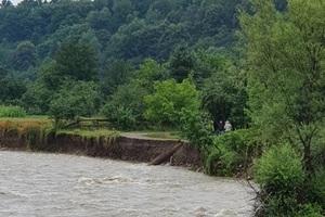 В реках Украины нашли следы препаратов от COVID