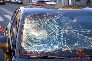 В Днепре на Сичеславской Набережной водитель Audi сбил мужчину на пешеходном переходе