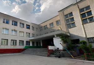 В Днепре первоклассник выпал с третьего этажа 147-й школы