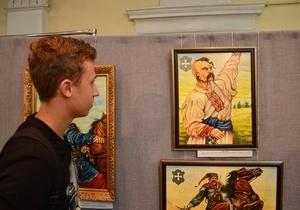 В Днепре открылась выставка картин «Дух козацький в мені живе»