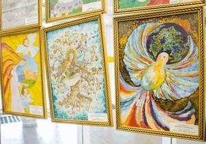 В Днепровском городском совете открылась выставка рисунков, посвященных проблемам экологии