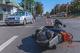 В Днепре на улице Святослава Храброго столкнулись Skoda и курьер Glovo: мужчину забрала скорая