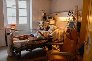 Минздрав обновил стандарты госпитализации больных с COVID-19