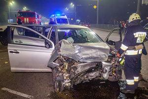В Днепре на Набережной Заводской столкнулись Hyundai и Volkswagen: пострадали 4 человека