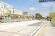 В Днепре на перекрестке Донецкого шоссе и улицы Шолохова установили современный остановочный комплекс с длинным навесом
