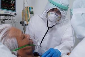 Нельзя сравнивать с гриппом: названы три фазы развития COVID-19