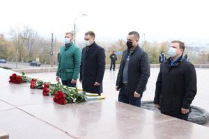 Днепр отмечает 77-ю годовщину освобождения Украины от фашистских захватчиков