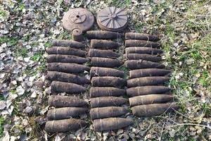 В Днепропетровской области пиротехники ГСЧС уничтожили 32 единицы боеприпасов