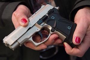 Гражданам Украины разрешат свободно владеть оружием?
