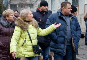 Борис Филатов обсудил с жителями жилмассивов Тополь 2 и 3 перспективы обустройства дорог и дворов