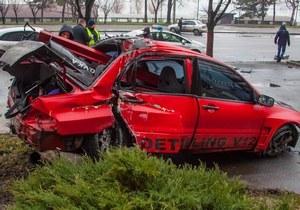 Возле «Поплавка» водитель Mitsubishi вылетел на пешеходную зону