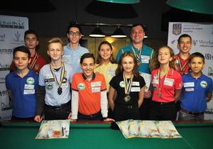 Юные мастера бильярда из Днепра привезли награды с чемпионата Украины