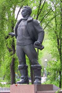 Что посмотреть - Чкалову В.П. памятник