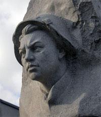 Что посмотреть - Матросову А.М. памятник