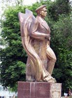 Что посмотреть - Маргелову В.Ф. памятник