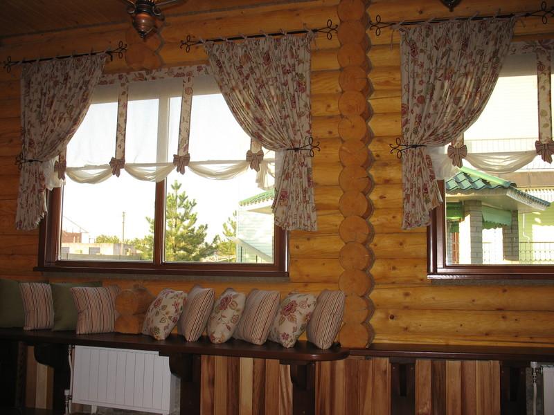 Фото шторы для угла с иконами гладью высохший слой