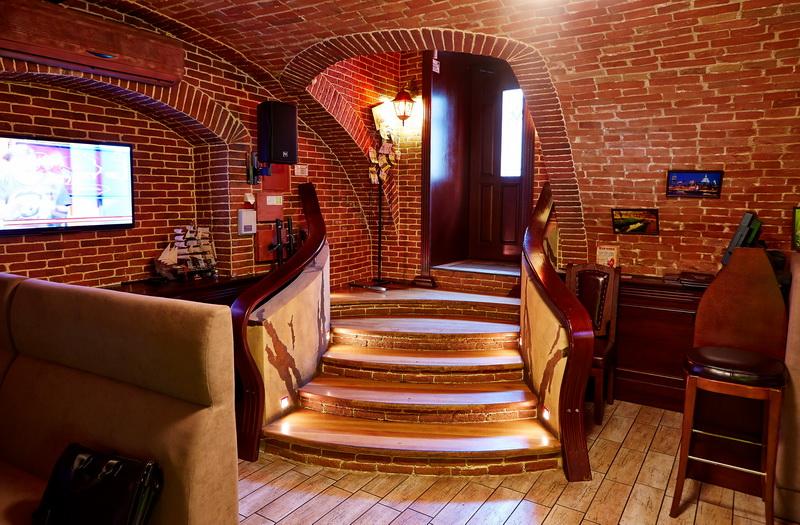 Зал №2 Биг Бен (Big Ben), караоке-лаунж бар