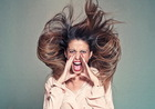 Высокое напряжение: как избавиться от статического электричества на волосах