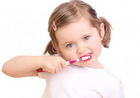 На самом ли деле электрическая зубная щетка лучше обычной ручной?