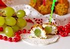 Рождественское меню: оригинальный рецепт винограда в сырной шубке