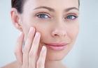 В 50 будет поздно: 10 правил ухода за кожей с первыми признаками старения