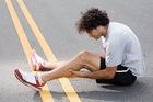 Судороги в ногах: причины и лечение