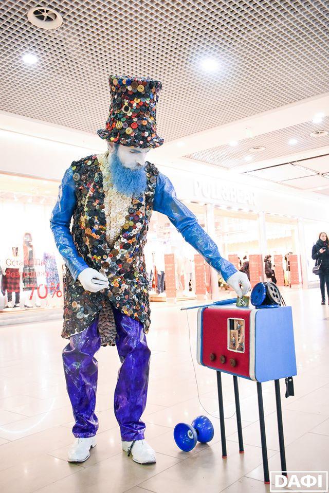 Гудзиковий король Призеры на V Всеукраинском фестивале уличного искусства