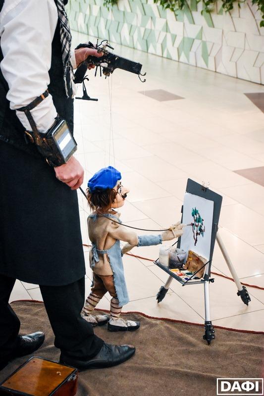 Переможець_1 місце_лялькар з Житомира_художник Призеры на V Всеукраинском фестивале уличного искусства