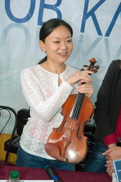 Мировая звезда Цянь Чжоу со скрипкой Гваданини на  «Острове классики»